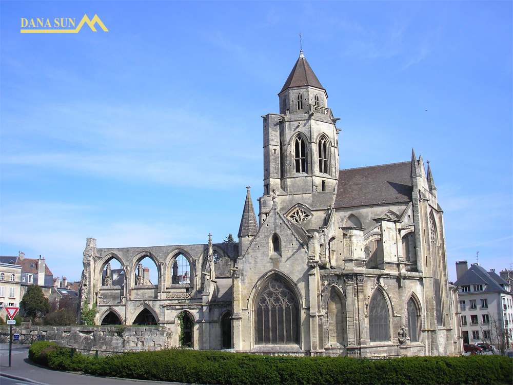 nha-tho-Saint-etienne