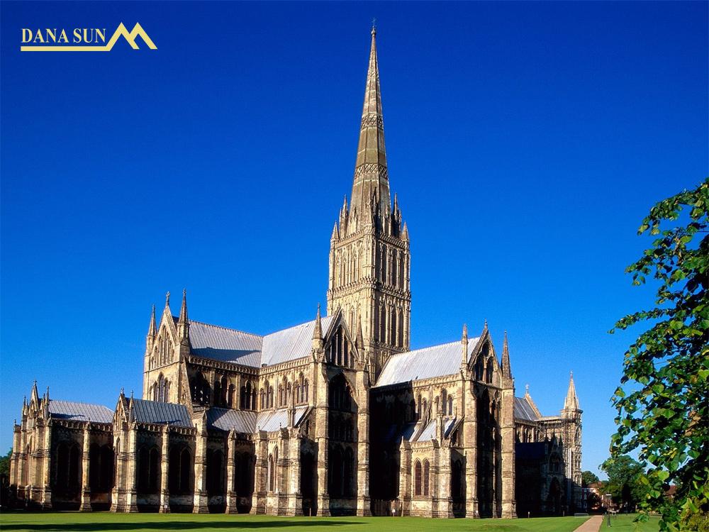 nha-tho-Salisbury