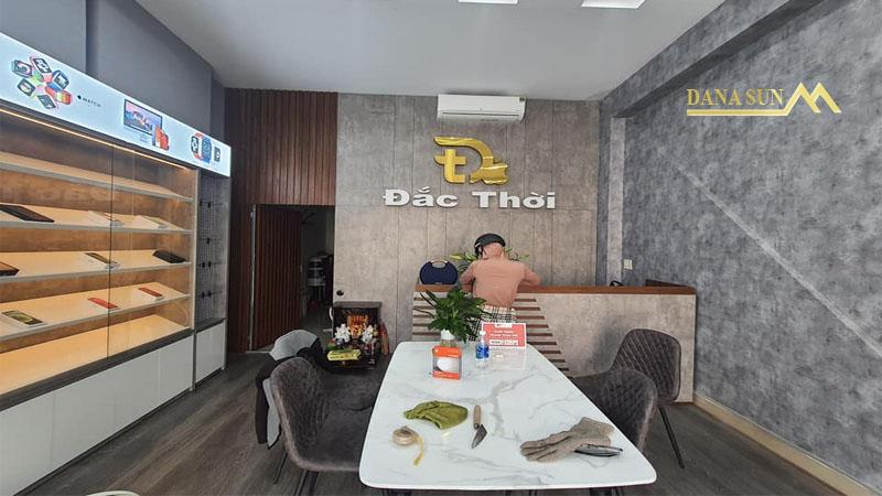 hoan-thien-thiet-ke-thi-cong-showroom-dien-thoai-li-thai-to-da-nang-5